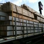Ein Laster voller Holz